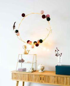 """Cotton Ball Lights Original az Instagramon: """"Was für eine schöne Idee, unsere Cotton Ball Lights so aufzuhängen 👌🏻 ! Sehr kreativ 💫            #dekor #wohnzimmer #wohnen…"""""""
