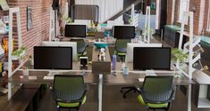 bivi desk #office #design | Turnstone