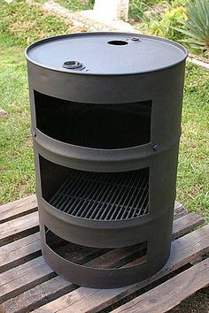 Discover thousands of images about Fire Pit made with old washer drums Outdoor Oven, Outdoor Fire, Outdoor Cooking, Outdoor Living, Outdoor Decor, Bbq Grill, Grilling, Fire Grill, Grill Party