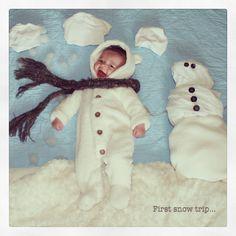 creative baby photo idea w/ blankets :)