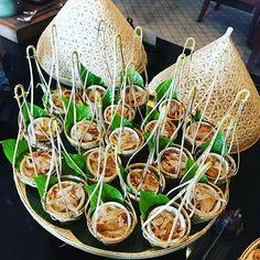 gigi._h雞,food,泰國,pleasant,presentation,pandanus,別緻,油炸,inlittlebaskets,🐔,小竹籃,leaf,pomelosalad,包在斑斕葉,食慾,deep,擺盤Thai#Food#Pleasant#Presentation#PomeloSalad#InLittleBaskets#Deep-Fried#🐔 Chicken#Pandanus#Leaf#泰國#食慾#別緻#擺盤#小竹籃#油炸#雞#包在斑斕葉