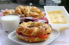 Covrigi de casa, cu seminte ~ Laura's sweets Free Blog, Bagel, Make It Simple, Bread, Meals, Food, Meal, Brot, Essen