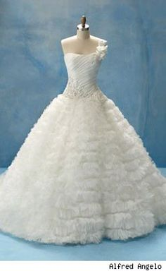 Sleeping Beauty Wedding Dress by Alfred Angelo...I know, I'm married already and never again, but this is a BEAUTIFUL dress