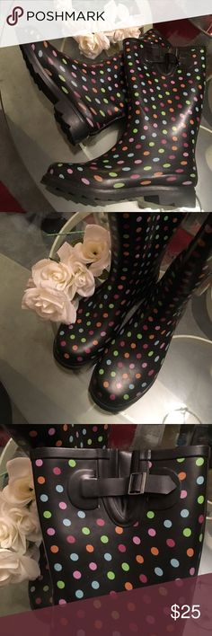 Woman's rain boots like new! Worn twice! Excellent Condition! Shoes Winter & Rain Boots