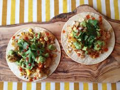 Oh So Lovely Vintage: Roasted cauliflower & corn tacos & avocado spread. Dairy Free Diet, Dairy Free Recipes, Raw Food Recipes, Veggie Recipes, Mexican Food Recipes, Vegetarian Recipes, Savoury Recipes, Roasted Corn, Roasted Cauliflower
