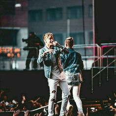 Marcus and Martinus M Photos, Cute Photos, I Go Crazy, Love U Forever, Twin Brothers, Love Pictures, Celebs, Celebrities, Hair Humor