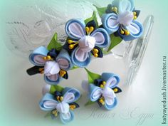 View album on Yandex. Diy Lace Ribbon Flowers, Kanzashi Flowers, Ribbon Hair Bows, Diy Ribbon, Ribbon Work, Ribbon Crafts, Flower Crafts, Paper Flowers, Ribbon Embroidery Tutorial