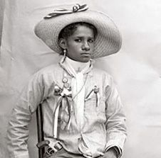 Soldaderas: The Women of the Mexican Revolution   Margarita Neri woman commander in Zapata's army.