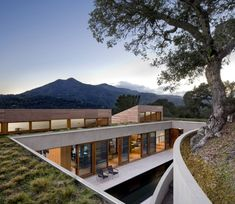 Turnbull Griffin Haesloop Architects have designed the Hillside Residence in Kentfield, California.