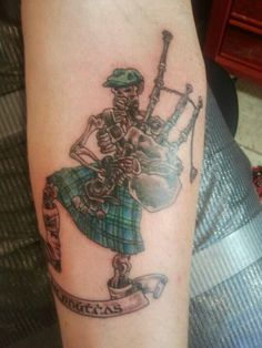 69 Designs and ideas of tattoos on the forearm Dream Tattoos, New Tattoos, Cool Tattoos, Tatoos, Tan Tattoo, Rock Tattoo, Tattoo Ink, Scottish Tattoos, Skeleton Tattoos