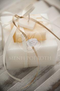 Μένη Ρογκότη - Μπομπονιέρα γάμου κερί Gift Wrapping, Geo, Gifts, Wedding Ideas, Weddings, Gift Wrapping Paper, Favors, Mariage, Wedding