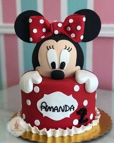 Bolo Minnie lindo ❤️ por , via 🖤❤️ Torta Minnie Mouse, Bolo Do Mickey Mouse, Bolo Minnie, Mickey Cakes, Minnie Cupcakes, Minnie Mouse Cookies, Minnie Mouse Cake Design, Minnie Mouse Cake Topper, Mickey And Minnie Cake