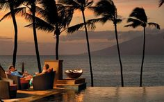 Families feel truly pampered at this Four Seasons island resort. The 600-square-foot standard rooms ... - Four Seasons Resort Maui at Wailea