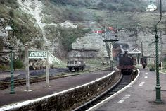 Isle of Wight closed railway, Ventnor Station. Football Poses, Uk Rail, Old Train Station, Disused Stations, Shepherds Bush, Steam Railway, Southern Railways, Train Pictures, British Rail