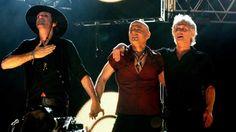 "SODA STEREO. Cerati, Zeta y Charly durante la gira ""Me verás volver""."