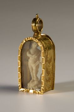 Pendant  Spain, 17th C.  Gold and ivory