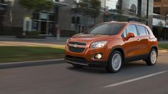Explore the 2020 Chevy Trax compact SUV sporty design, offering a surprisingly spacious interior, available advanced safety, and entertainment technologies. Camaro Models, Chevy Models, Small Suv, Chevrolet Trax, Compact Suv, Jeep Compass, First Drive, Self Driving, Car Brands