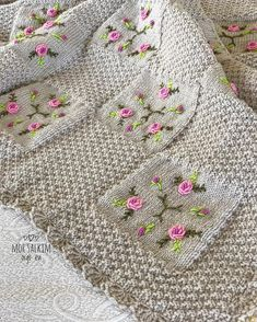 This Pin was discovered by ahm Baby Afghan Crochet, Tunisian Crochet, Crochet Motif, Knit Crochet, Afghan Patterns, Baby Knitting Patterns, Crochet Patterns, Diy Embroidery, Cross Stitch Embroidery