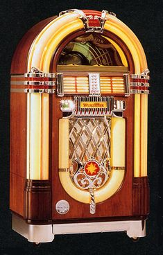 I& always thought it& be fun to have one . even a newer CD player in the form of a juke box would be sweet since I don& generally play records. Radios, Art Nouveau, Art Deco, Jukebox, Rock And Roll, Music Machine, American Diner, Soda Fountain, Record Players