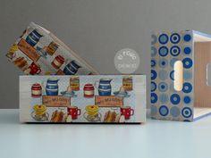 Cajas de madera de diferentes tamaños decoradas en decoupage por El Piojito. www.elpiojito.es