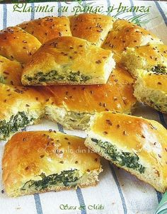 Placinta cu spanac si branza Baby Food Recipes, Wine Recipes, Cooking Recipes, Healthy Recipes, Good Food, Yummy Food, Romanian Food, Pastry And Bakery, Mediterranean Recipes