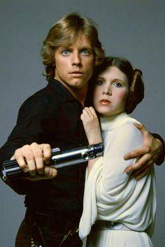 Princess Leia Organa - Star Wars - A New Hope - Carrie Fisher - Luke Skywalker - Mark Hamill Star Wars Rebels, Leia Star Wars, Star Wars Luke, Star Trek, Mark Hamill, Carrie Fisher, Frances Fisher, Theme Star Wars, Star Wars Art