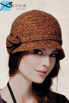 boucle clouche hat