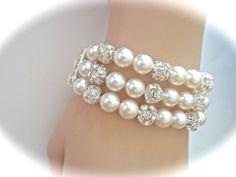Pearl Cuff Statement Bracelet // 3 rows // por QueenMeJewelryLLC, $67.99