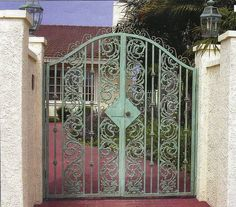 New Gates San Diego has competitive prices on custom new gates, automatic gate openers and professional local gate repairs in San Diego area.