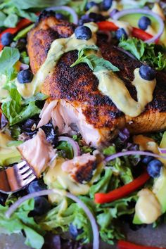 Crispy, spiced salmon brings the flavor of this Crispy Jamaican Jerk Salmon with Mango-Basil Vinaigrette to the next level! Enjoy this delicious meal for dinner or lunch. Salmon Recipes, Fish Recipes, Seafood Recipes, Tilapia Recipes, Mexican Recipes, Vegetarian Recipes Dinner, Healthy Dinner Recipes, Cooking Recipes, Lunch Recipes