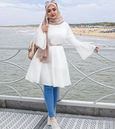 white ruffle blouse-Colorful casual outfits in hijab – Just Trendy Girls Hijab Fashion Summer, Modest Fashion Hijab, Modern Hijab Fashion, Street Hijab Fashion, Hijab Fashion Inspiration, Muslim Fashion, Mode Inspiration, Modest Outfits Muslim, Winter Fashion