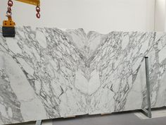 Arabescato marble best quality slabs in stock at unbeatable prices, polished thick slabs. Arabescato Marble, White Marble, Natural Stones, Countertops, Facade, Tapestry, Flooring, Interior Design, Antiques