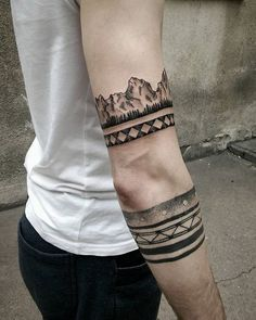 Best armband tattoos for men & women and how much they cost. Unique tribal armband tattoos including Azten, Polynesian, Celtic and Native American Designs! Tattoo Designs And Meanings, Small Tattoo Designs, Tattoo Designs For Women, Beautiful Small Tattoos, Unique Tattoos, Cool Tattoos, Tattoos Arm Mann, Arm Tattoos For Guys, Forearm Tattoo Design