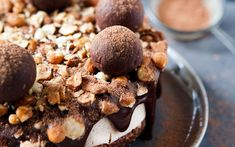 This raw chocolate hazelnut cheesecake is the stuff that dreams are made of.