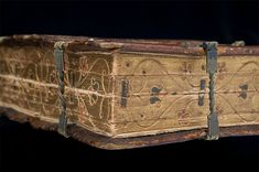 16th century book that can be read six different ways - National Library of Sweden