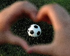 <3 Soccer im not a soccer player but this is a great picture