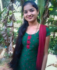 Selfies and Photo Shoots of Tamil Girls Beautiful Girl In India, Beautiful Girl Photo, Beautiful Women, Cute Little Girl Dresses, Cute Young Girl, Indian Girls Images, Indian Teen, Real Indian Girls, Dehati Girl Photo