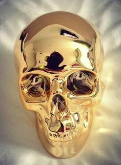 Skull #glam. #Lustre