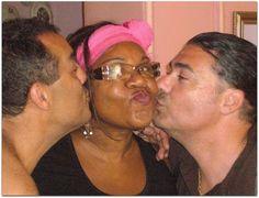 Raquel con turistas. Couple Photos, Couples, Home, Havana, Couple Shots, Couple Photography, Couple, Couple Pictures