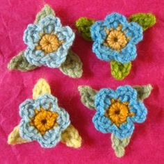 May Rose Wreath tiny flowers patterns at Attic 24 Crochet Flower Tutorial, Form Crochet, Crochet Cross, Crochet Flower Patterns, Crochet Motif, Yarn Flowers, Knitted Flowers, Small Flowers, Yarn Projects