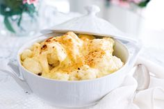 Cauliflower Cheese Gratin (add onion, nutmeg, dry mustard, dijon and paprika) Mince Recipes, Snack Recipes, Cooking Recipes, Vegetarian Recipes, Freezer Cooking, Healthy Recipes, Snacks, Cauliflower Gratin, Cauliflower Cheese