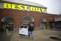 Best Buy's online sales soar despite competitors     - CNET  Enlarge Image  Best Buy shoppers in Skokie IL snag a discounted 55-inch television during Black Friday.                                             Joshua Lott Getty Images  Enlarge Image  Best Buys second-quarter financial results compared to last years numbers. Best Buy With large chain retail stores like Target reporting weak second quarter earnings Best Buy swooped in yesterday with surprisingly strong numbers.   Its 0.8…