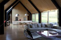Nos vamos a Woodstock ( VERMONT ), en los Estados Unidos de América, donde se encuentra esta hermosa casa, formada por dos edificaciones; un...