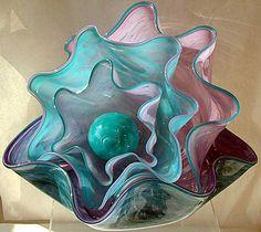stunning glass ruffle bowls