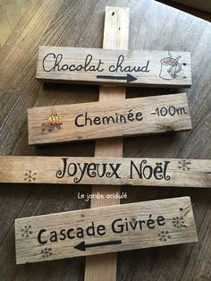 Christmas signpost - signboard for Santa Claus - .- Christmas signpost – panneau indicateur pour le père Noël – LE JARDIN ACIDULÉ Christmas signpost – signboard for Santa Claus - Rustic Christmas, Christmas Crafts, Christmas Decorations, Santa Christmas, Diy Crafts To Do, Wood Crafts, Theme Noel, Diy Weihnachten, Christmas Pictures
