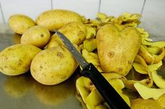 Καθαρίζουμε πατάτες γρήγορα και χωρίς κόπο Mea-Colpa Κάθε Μέρα Νέα Κόλπα Χρήσιμα