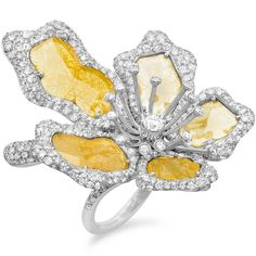 Demarco - Gold ring with flat yellow diamonds and white diamonds. Photo courtesy press office