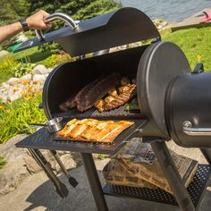 Broil King® Offset Charcoal Smoker  RRP: £799.95 | Save 10%  £719.95