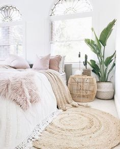 9 Comfy bedroom ideas for girls to copy. Get the comfy apartment look. Cozy white bedroom fluffy bedroom bedroom goals warm bedroom bedroom plants cozy bright bedroom cozy bedroom for couples I do not own this photo. Comfy Bedroom, Dream Bedroom, Girls Bedroom, Master Bedroom, Girl Rooms, Diy Bedroom, Bedroom Inspo, Cozy White Bedroom, Bedroom Inspiration Cozy