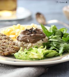 The Rawtarian: Raw Savory Recipes Vegan Mushroom Gravy, Raw Vegan, Raw Food Recipes, Stuffed Mushrooms, Beef, Ethnic Recipes, Sauces, Holidays, Christmas